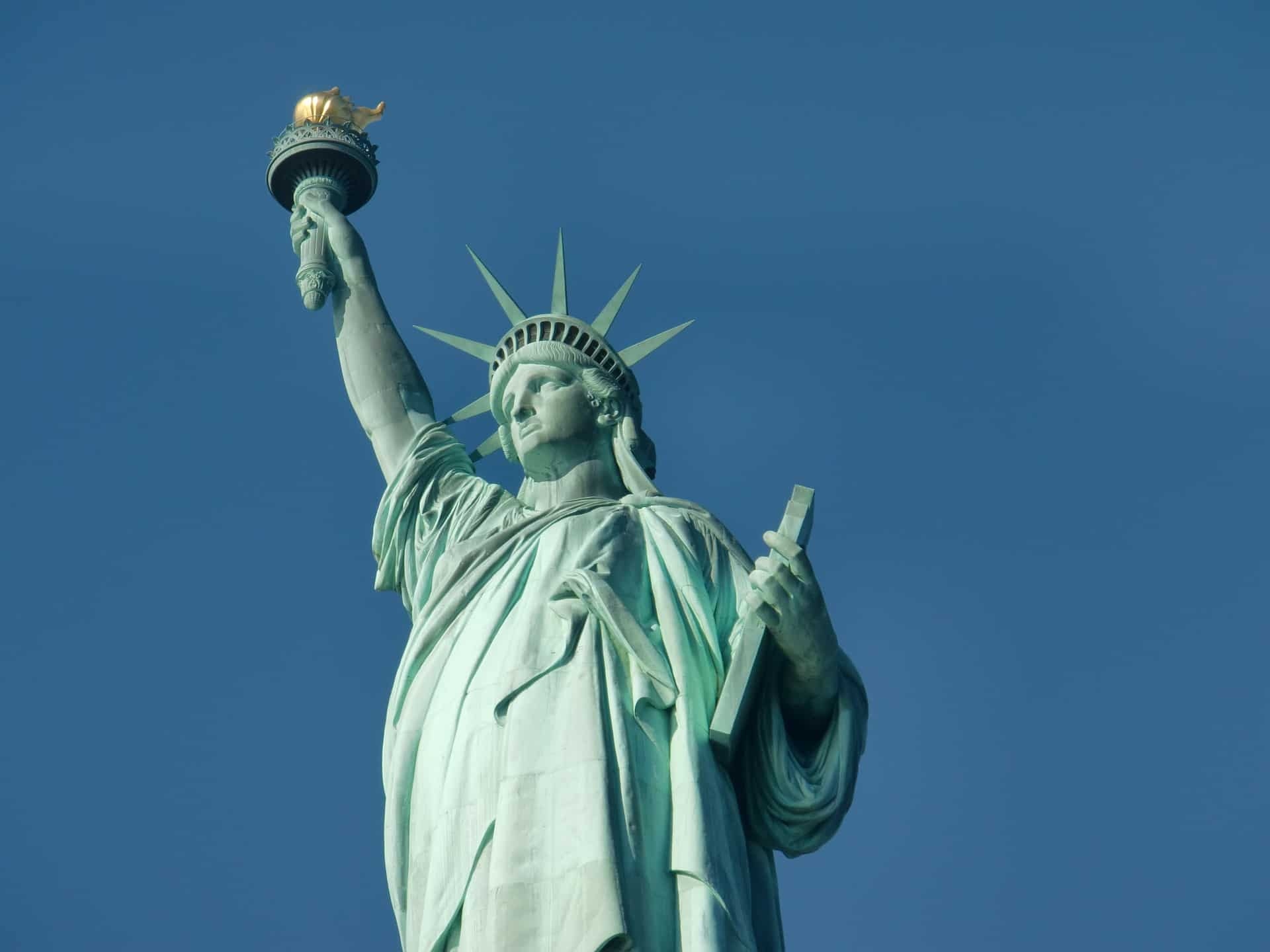 statue-of-liberty-271430_1920