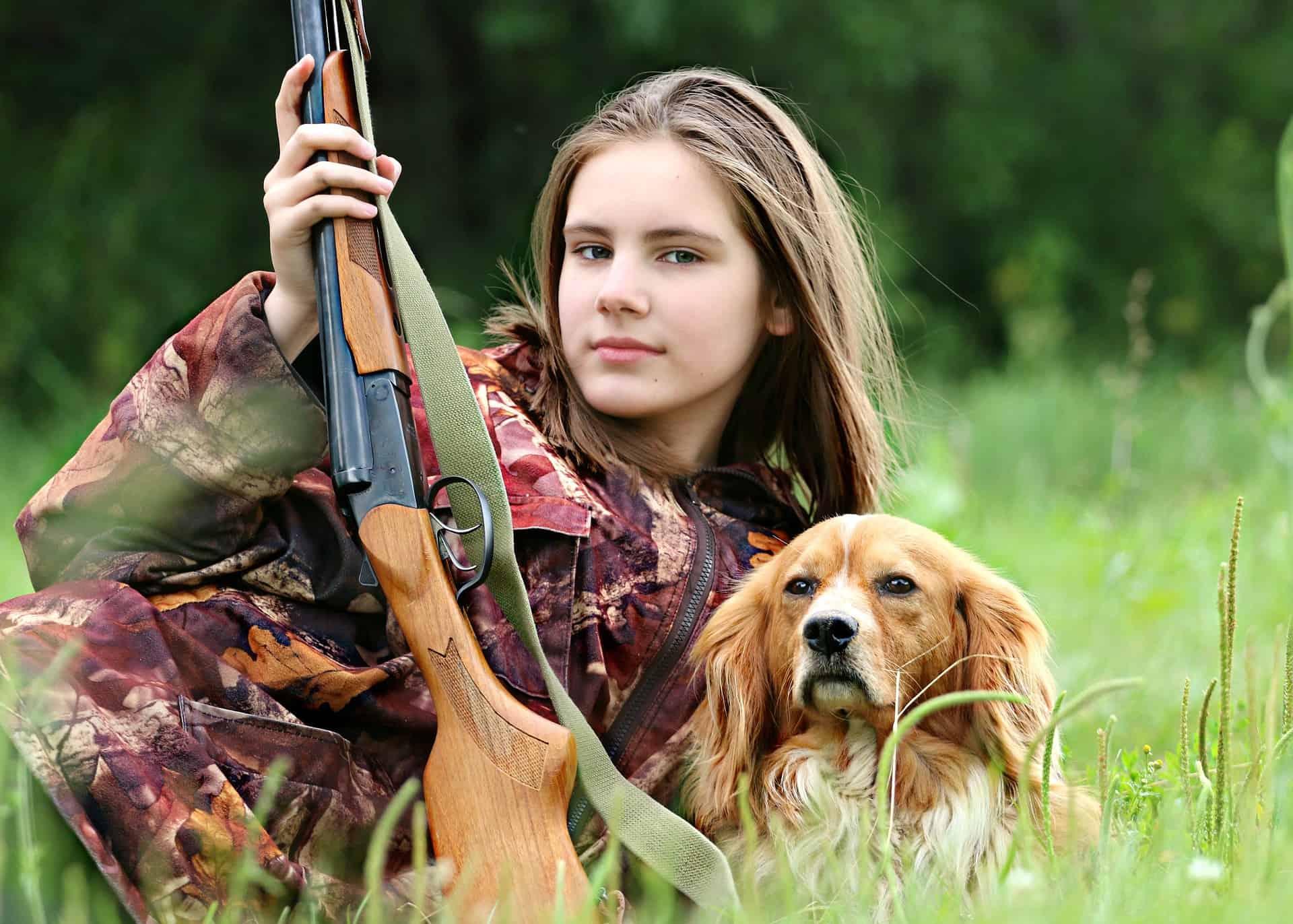 hunter-1503082_1920
